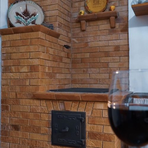 Испания – Отопительно-варочная печь на три помещения